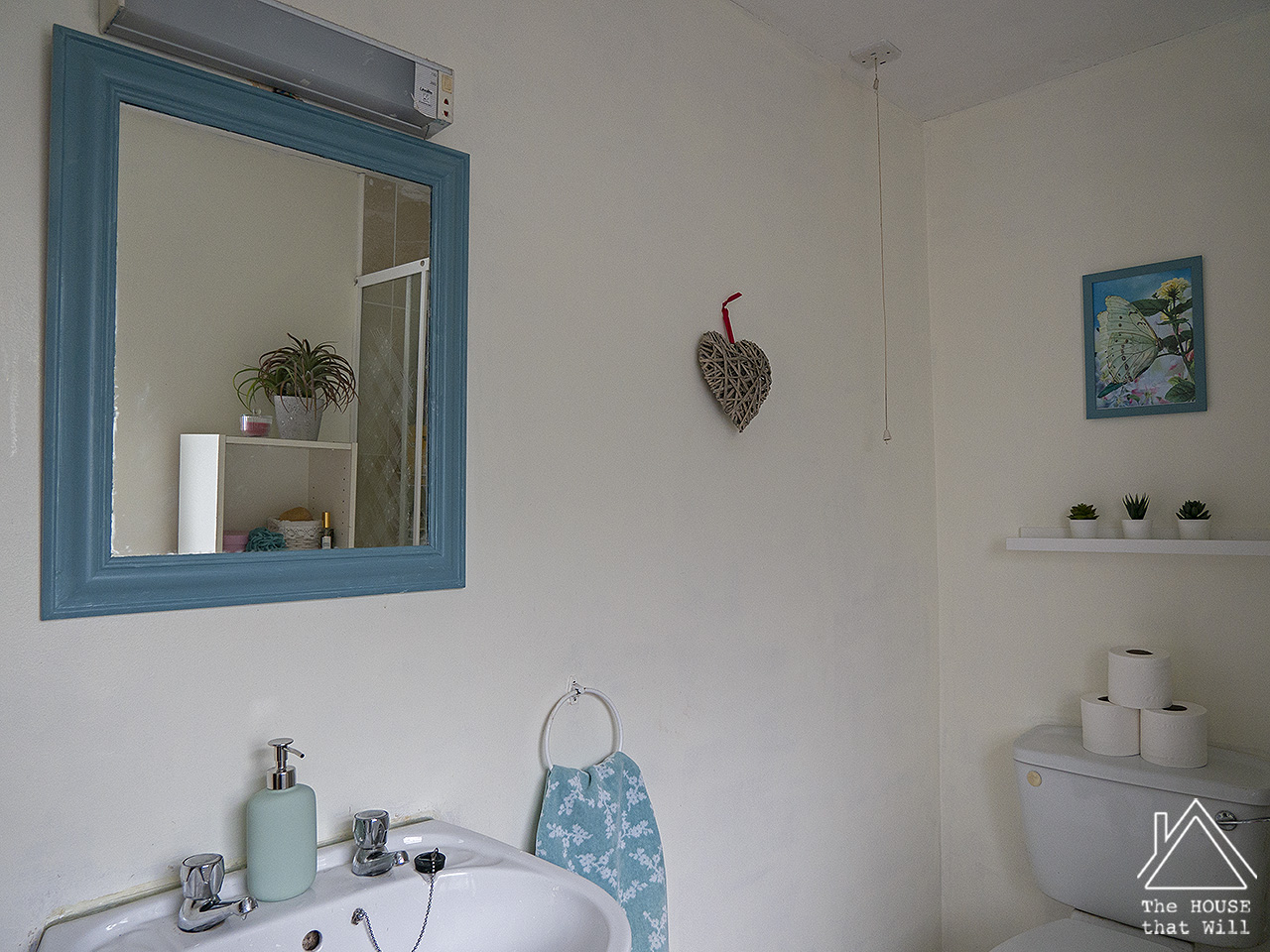 The House that Will | Budget Decor: €15 Ensuite Bathroom Makeover