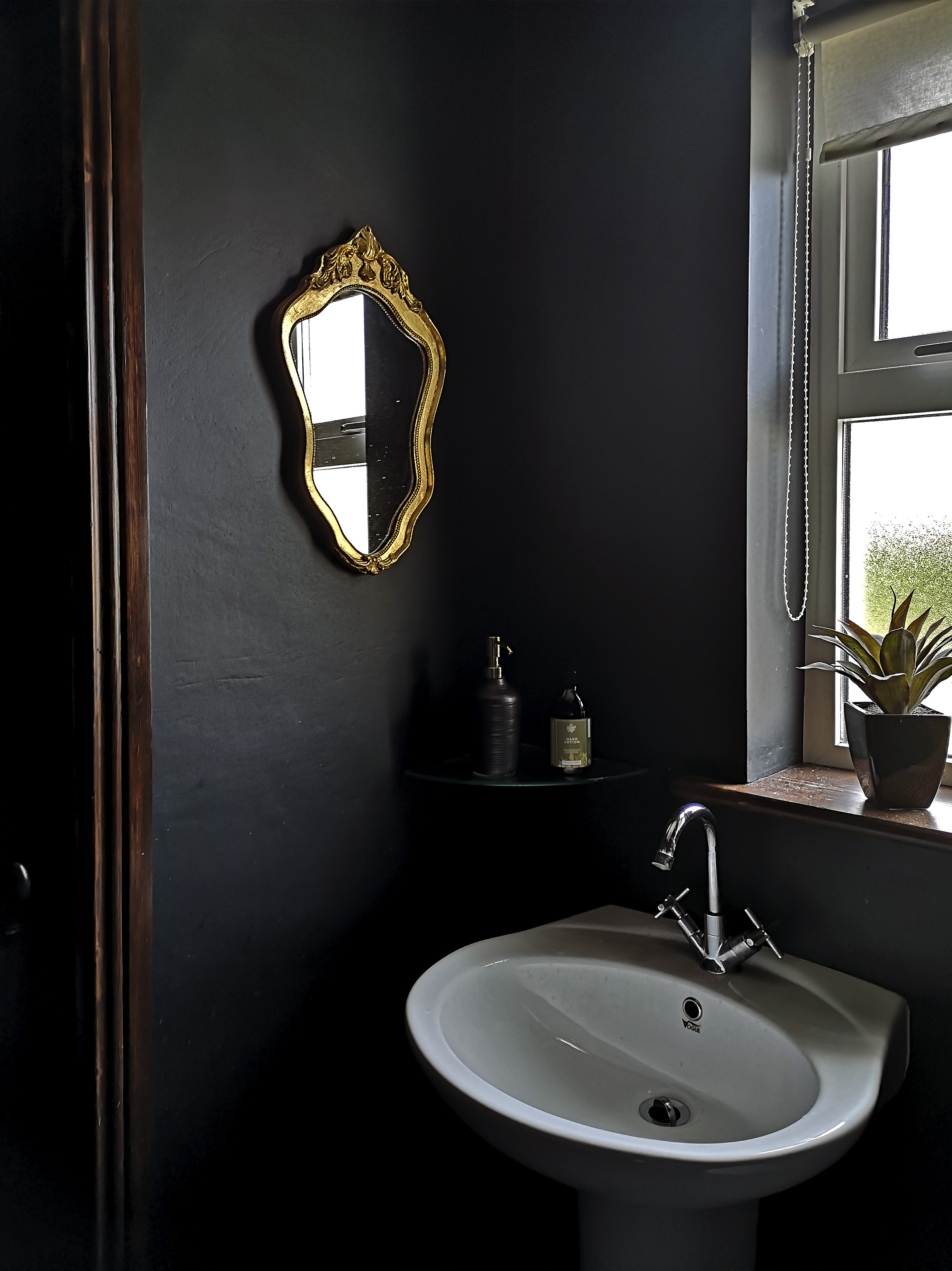 The House that Will | One Room Challenge, Downstairs Loo 'Before'