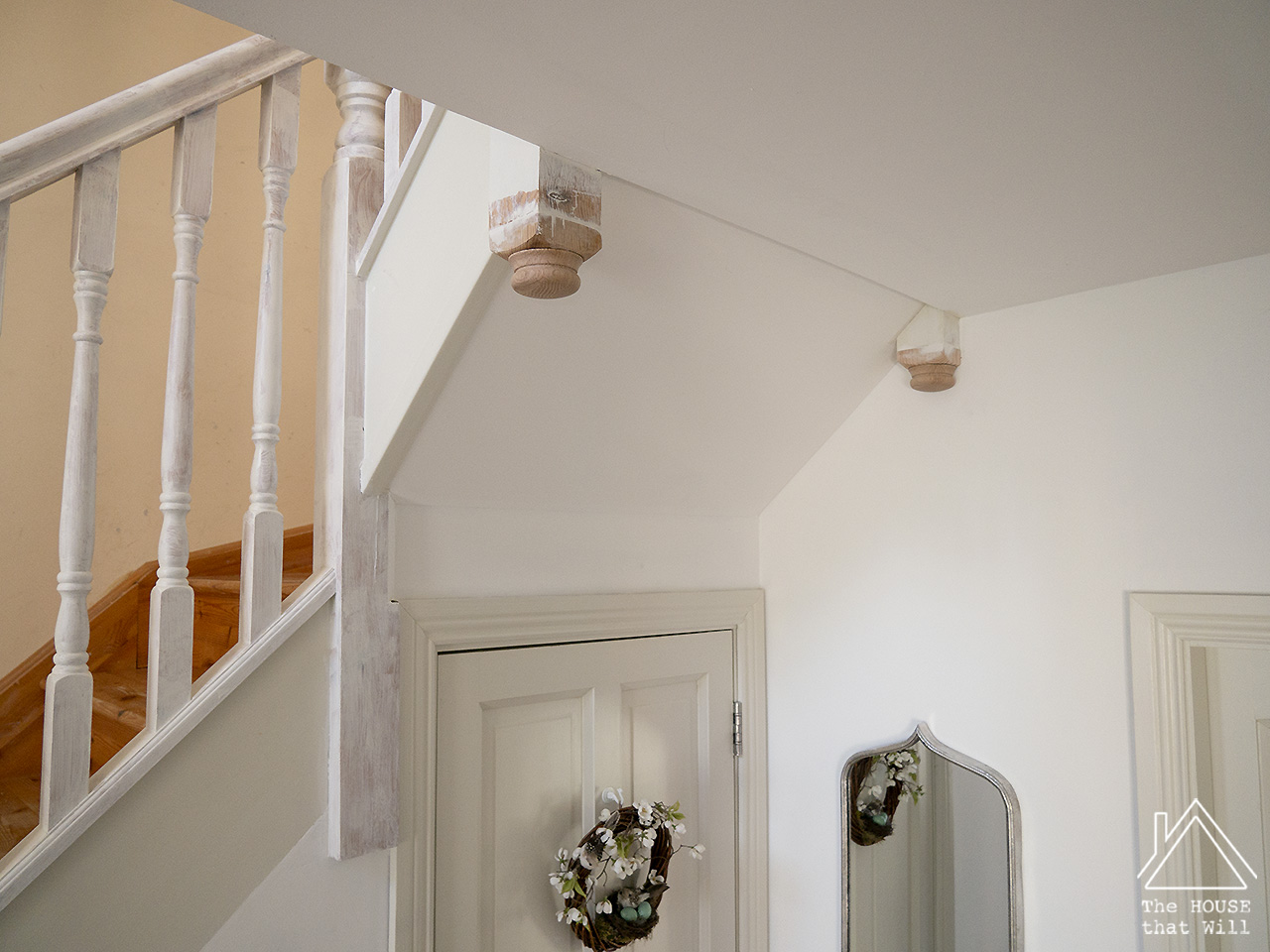 The HOUSE that Will | 7 Ways to Improve an Ugly Staircase