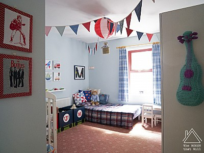 Budget Decor: €75 Boys' Bedroom